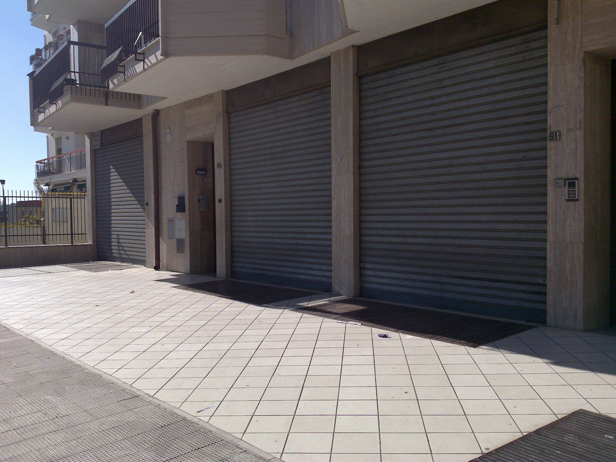 LOCALE COMMERCIALE – VIA FLEMING – ANDRIA
